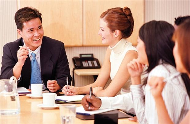 Những nội dung quản lý cần nhắc đến khi thông báo tăng lương hoặc khen ngợi nhân viên